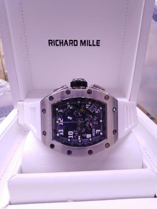 Richard Mille 13, correa de caucho blanco, caja de acero,esfera negra, cronógrafo